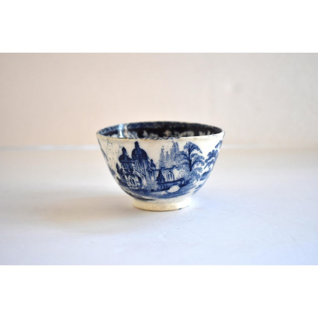 Staffordshire Antique Georgian C. 1815 Staffordshire Blue Transferware Tea Bowl For Sale - Image 4 of 10
