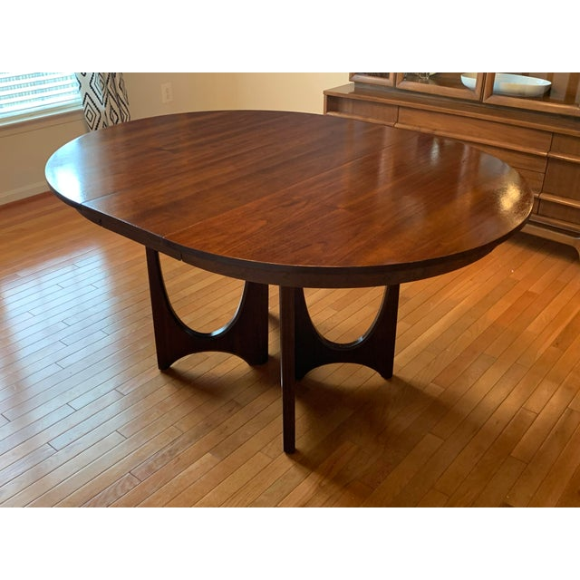 44ef4648c649b 1960s Mid-Century Modern Broyhill Premier Brasilia Dining Table For Sale -  Image 10 of