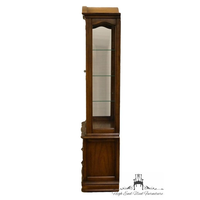 """Hammary Country French 26"""" Bonnet Top Display Curio Cabinet For Sale - Image 10 of 12"""