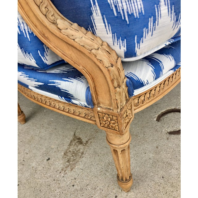 Boho Chic 1930's Vintage Settee in Graphic Print For Sale - Image 3 of 11