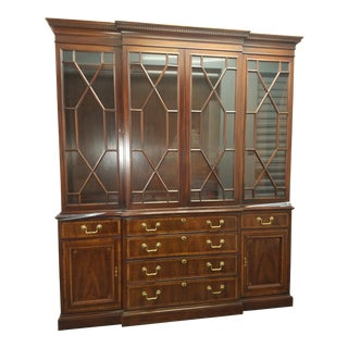 1980s Traditional White Furniture Co. Inlaid Banded Mahogany Breakfront China Cabinet For Sale