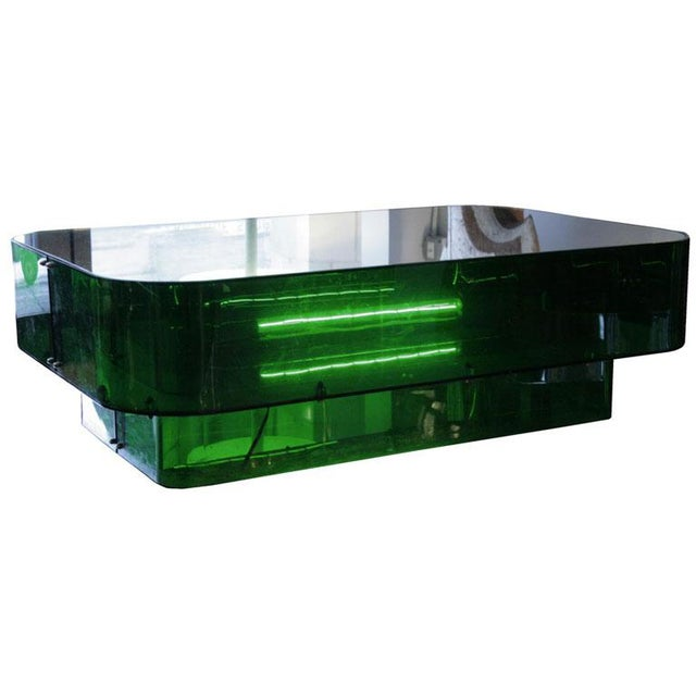 1970s Ron Ferri, Electrified Plexiglass and Mirror Low Table, Usa, 1970s For Sale - Image 5 of 10