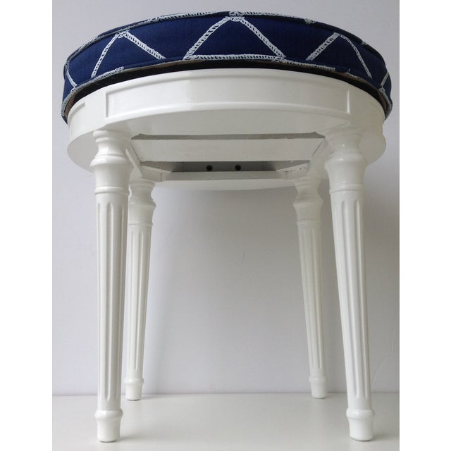Louis XVI-Style Swivel Vanity Stool For Sale In West Palm - Image 6 of 11
