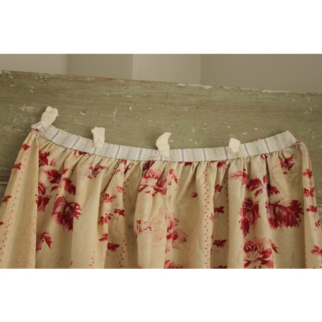 1900 - 1909 Shabby Chic Faded Floral Drape Curtain For Sale - Image 5 of 11