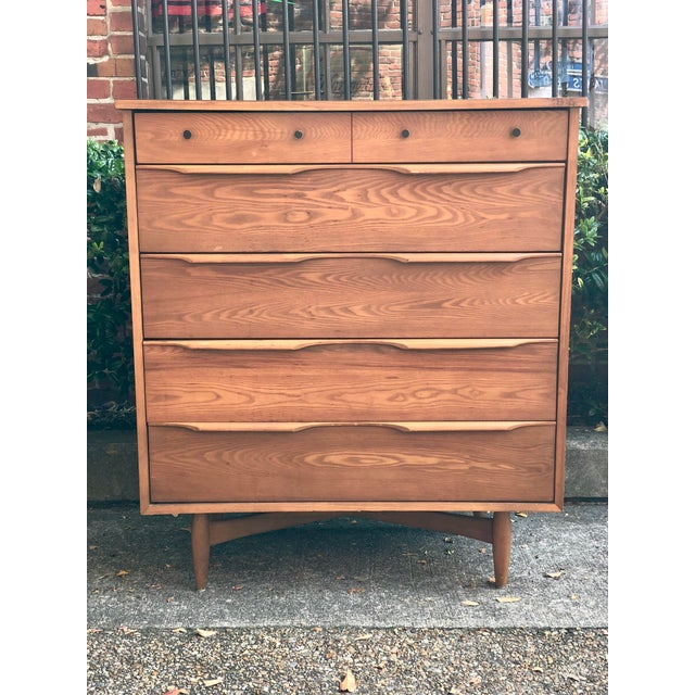 Great 1960s highboy, 5 drawer dresser from Heywood Wakefield. Cafe Walnut color and dated 1965 on the back. Top is...