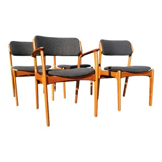 A Set of 4 Erik Buch Danish Mid-Century Modern Dining Chairs Model 49 For Sale