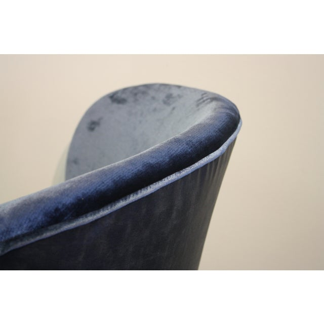 Mid-20th Century Art Deco Midnight Blue Velvet Slipper Chairs - a Pair - Image 8 of 9