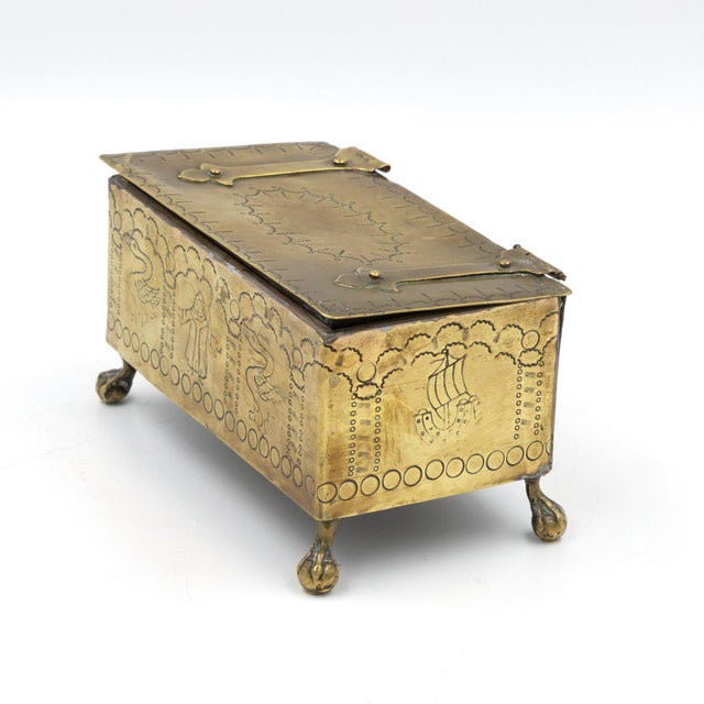 English Dutch Style Brass Table Top Cigarette / Tobacco Boxes, Early 19th Century - a Pair For Sale - Image 9 of 10