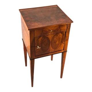 19th Century Biedermeier Walnut Veneer Bedside Cabinet For Sale