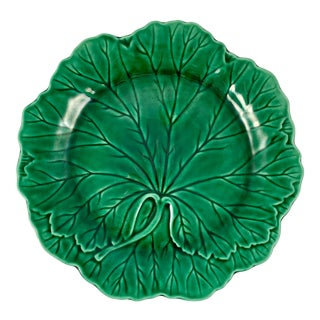 Wedgwood & Barlaston of Etruria English Majolica Green Cabbage Leaf Plate For Sale
