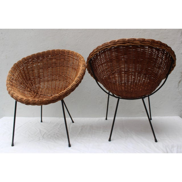 Franco Albini Pair of Rattan Chairs and Table in the Style of Franco Albini For Sale - Image 4 of 8