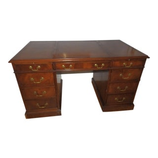 Sligh Nottingham Leather Top Executive Kneehole Desk For Sale