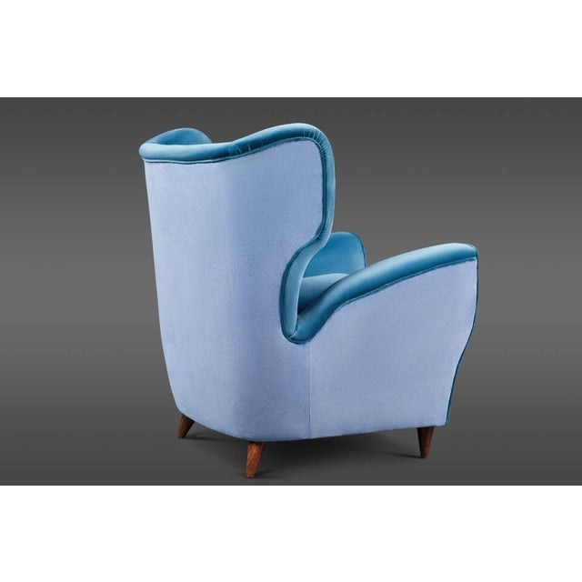 Mid 20th Century Pair of Italian Mid-20th Century Wingback Chairs in Two Tones of Velvet For Sale - Image 5 of 7