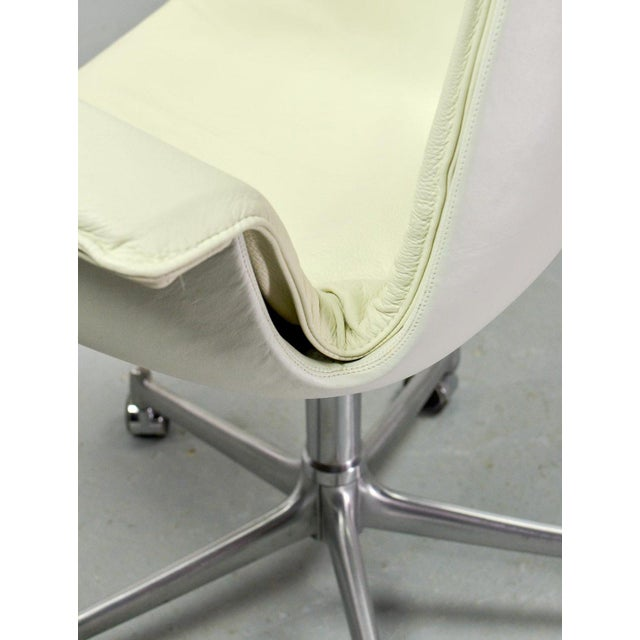 Silver Mid-Century Modern Design White Leather High Back 'Bird' Desk Chair by Preben Fabricius for Alfred Kill International, 1960s For Sale - Image 8 of 13