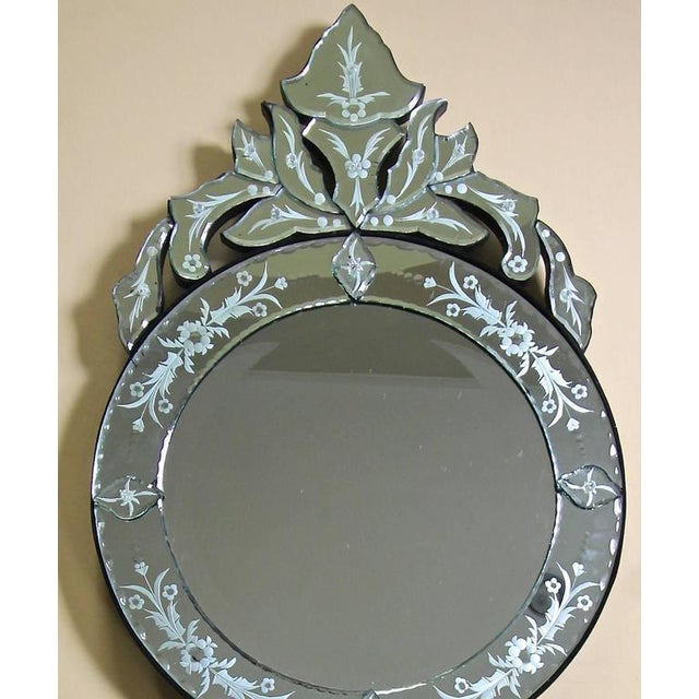 1960s Venetian Etched Glass Circular Wall Mirror For Sale In Palm Springs - Image 6 of 11