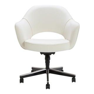 Saarinen Executive Arm Swivel Chair in Ivory Basket Weave