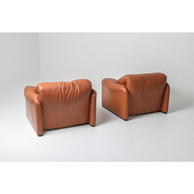 1970s Maralunga Cognac Leather Club Chairs by Vico Magistretti for Cassina - a Pair For Sale - Image 9 of 11