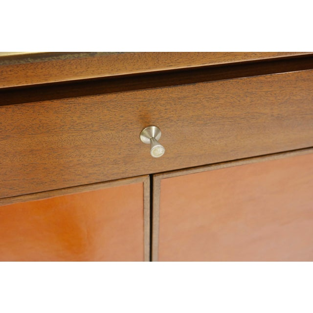 Credenza in Orange leather and Mahogany by Paul McCobb for Calvin For Sale - Image 9 of 11