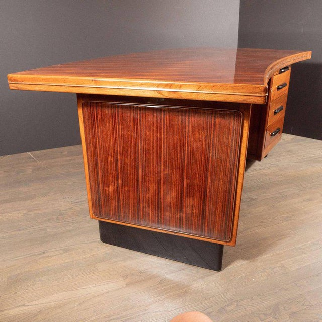 Art Deco Machine Age Bow Front Bookmatched Rosewood, Walnut & Black Lacquer Desk For Sale In New York - Image 6 of 11