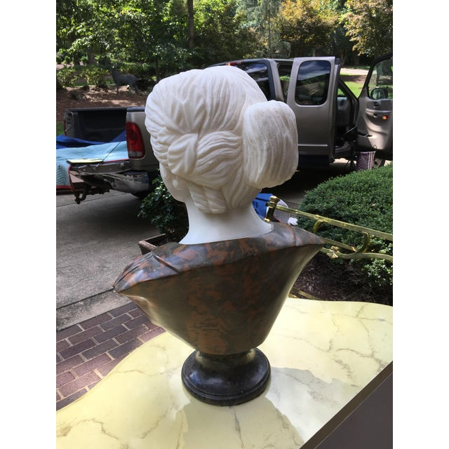 White 1990s Vintage Marble Classical Sculpture For Sale - Image 8 of 9