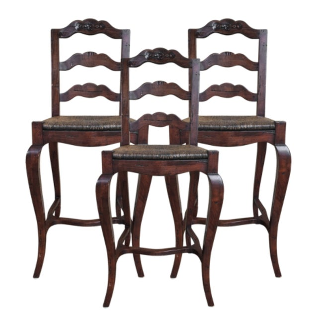 1990s Vintage French Provincial- Style Rush Seat Bar Stools- Set of 3 For Sale - Image 4 of 4