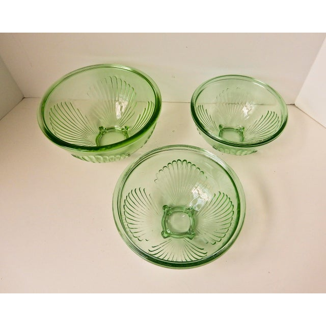 Mid-Century Modern Depression Glass Mixing Bowls - Set of 3 For Sale - Image 3 of 7