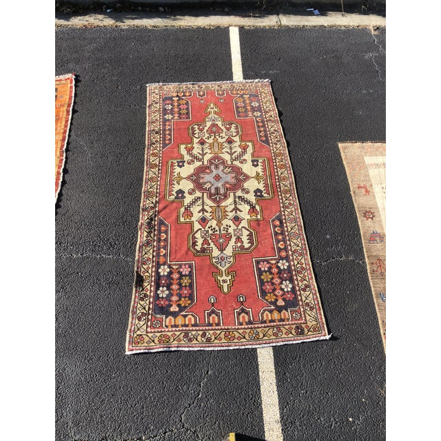 1950s Vintage Turkish Rug - 4′6″ × 9′ For Sale - Image 13 of 13