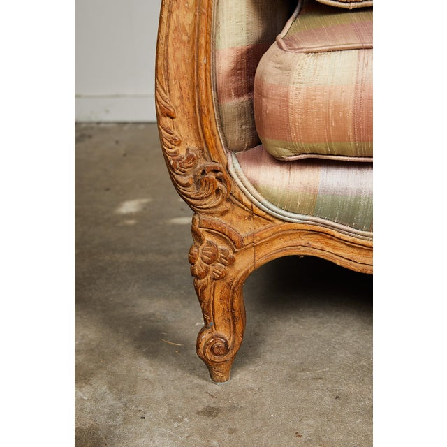 Light Pink 20th Century Louis XV Style Carved Wood Sofa or Daybed For Sale - Image 8 of 13