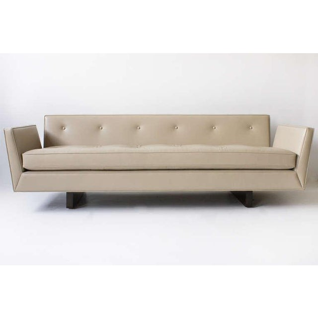 Contemporary Edward Wormley for Dunbar Leather Open Arm Sofa, 1950s For Sale - Image 3 of 7