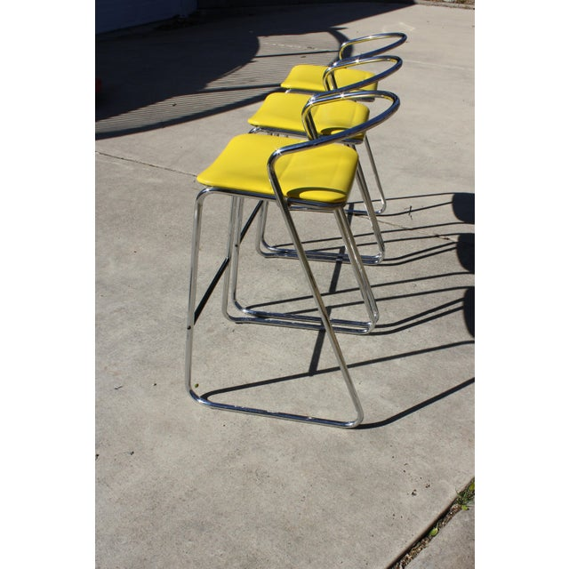 Italian Bar Stools in Polished Chrome by Hank Loewenstein - Set of 3 For Sale - Image 5 of 9