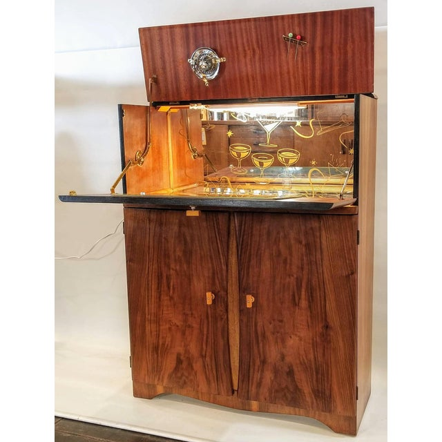 Art Deco Light Up Cocktail Cabinet in English Walnut With Patterned Glass Interior For Sale - Image 10 of 10