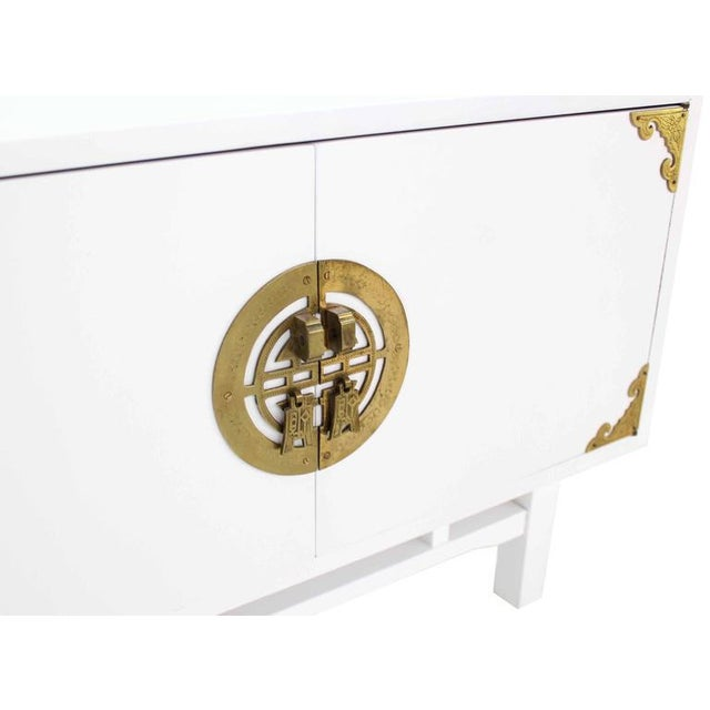 Pair Large Square White Lacquer End Side Tables Campaign Style Brass Pulls For Sale - Image 4 of 9