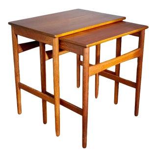 1960s Danish Modern Hans Wegner Teak Nesting Tables - Set of 2 For Sale