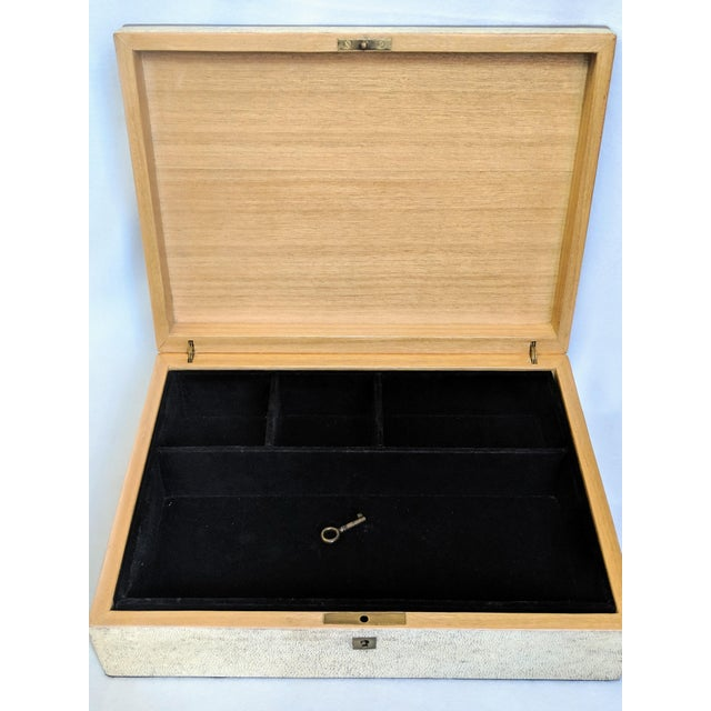 1980s R & Y Augousti Shagreen & Feather Box For Sale In New York - Image 6 of 10