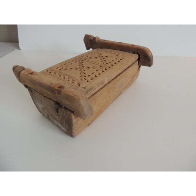 Vintage Indian Market Hand Carved Wooden Box With Lid and Carving Details For Sale In Miami - Image 6 of 6