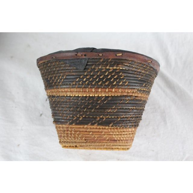 Small Ghanian Tribal Woven Basket For Sale - Image 4 of 7