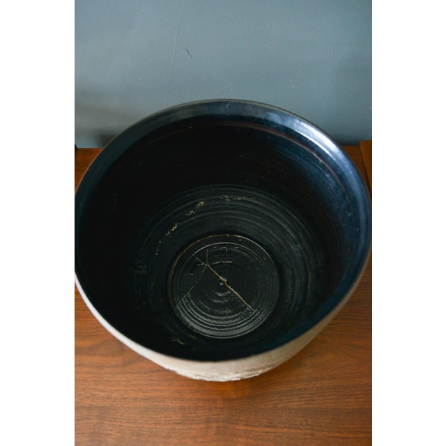 David Cressey Robert Maxwell Incised Flower Motif Planter, Circa 1970 For Sale In Los Angeles - Image 6 of 8