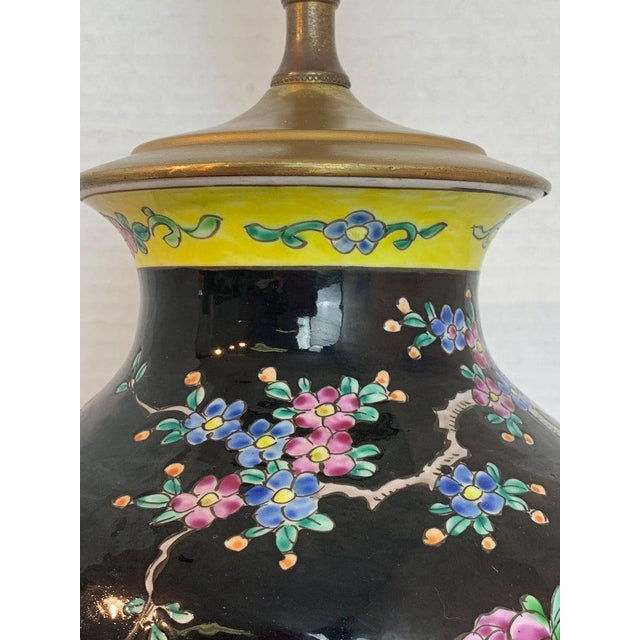 Early 20th Century Japanese Vase With Black Background in the Style of Chinese Famille Verte For Sale - Image 5 of 11
