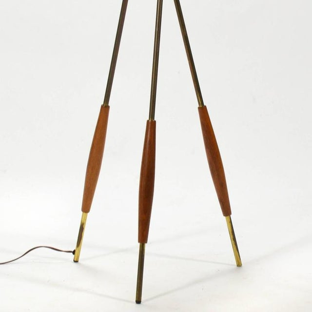 Gerald Thurston Tripod Floor Lamp by Lightolier For Sale In Chicago - Image 6 of 10