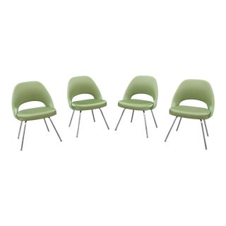 Mid-Century Modern Eero Saarinen for Knoll Green Executive Armless Chairs - Set of 4 For Sale