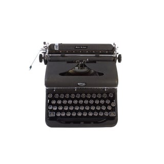 Exceptional Royal Quiet Deluxe Typewriter Vintage 1940's For Sale