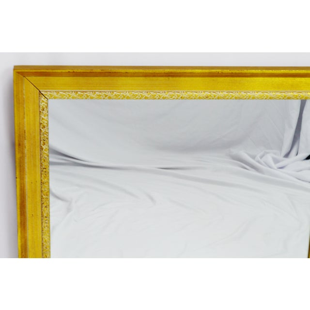 Late 20th Century Vintage Gold and White Striated Paint Framed Mirror For Sale - Image 5 of 10