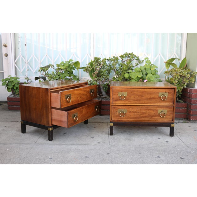 1970s 1970s Mid-Century Modern Henredon Nightstands with Brass Accent - a Pair For Sale - Image 5 of 12