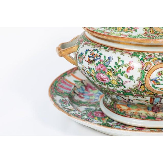 Green 19th Century Rose Medallion Covered Tureen and Platter - 2 Pieces For Sale - Image 8 of 11