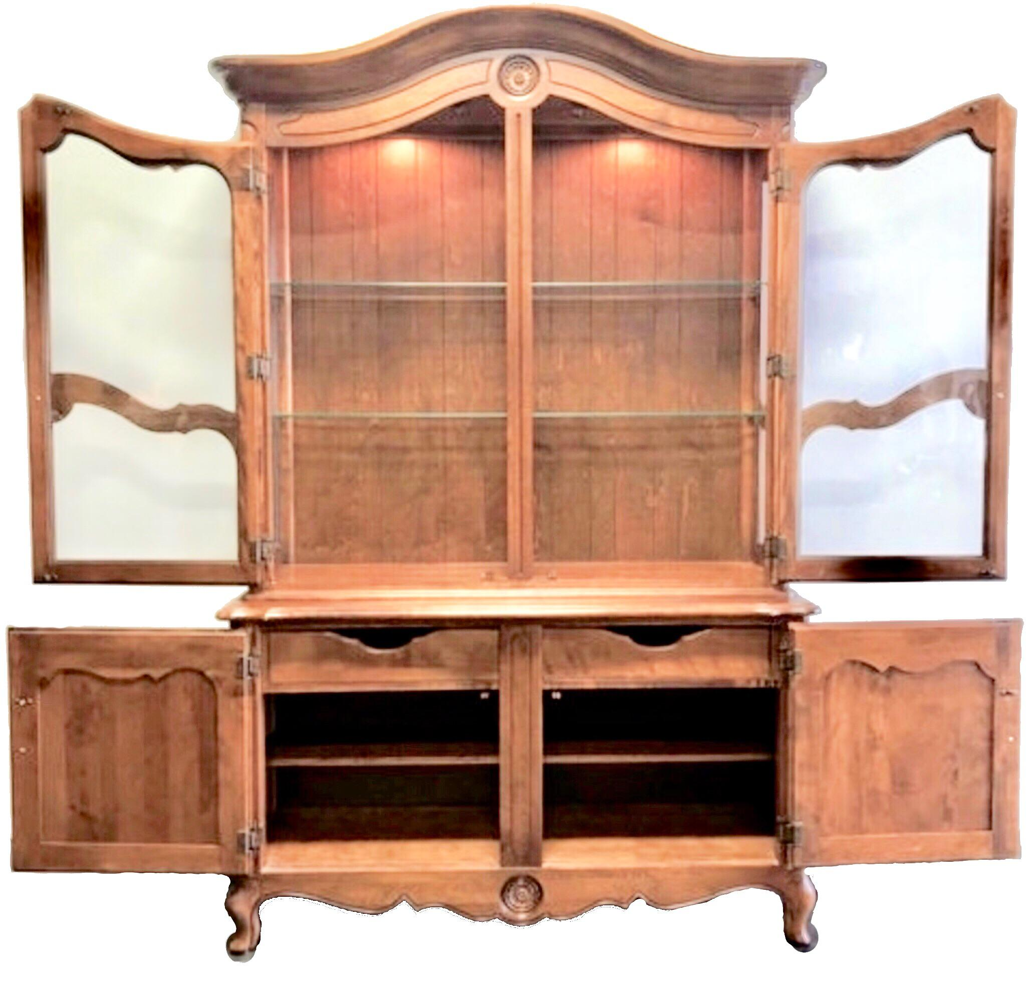 Ethan Allen Country French China Cabinet   Image 3 Of 9