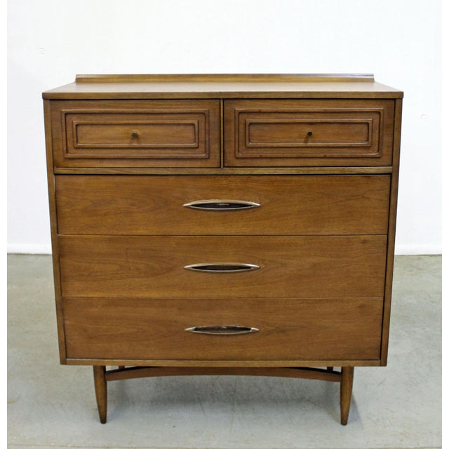Mid-Century Modern Broyhill Premier Sculptra Tall Chest of Drawers For Sale - Image 13 of 13