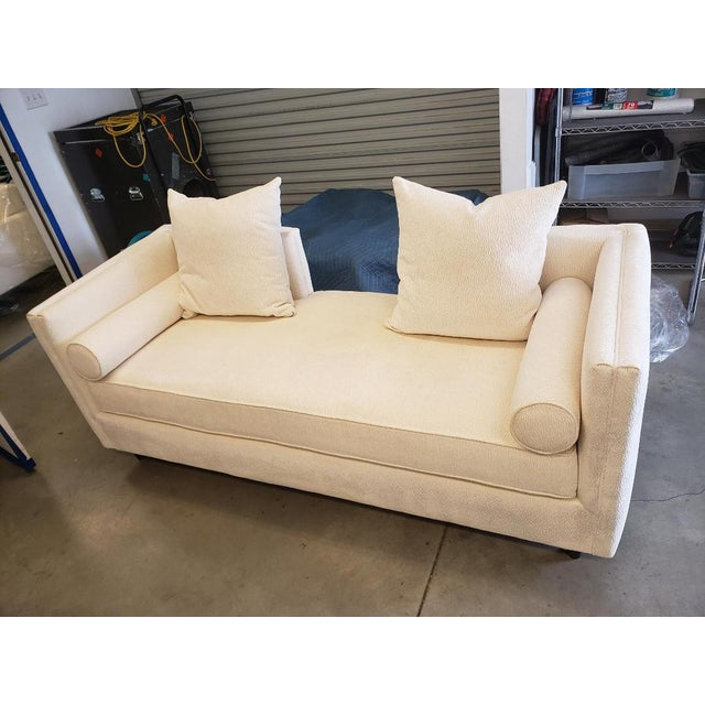 We have two slightly used High-End pieces of furniture for sale. An Andante Recamier couch and a Lorane Sofa in excellent...