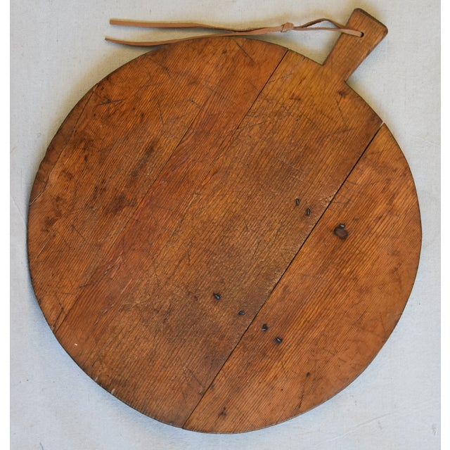 Antique French Pine Charcuterie Bread Cheese Serving Tray Board For Sale In Los Angeles - Image 6 of 9