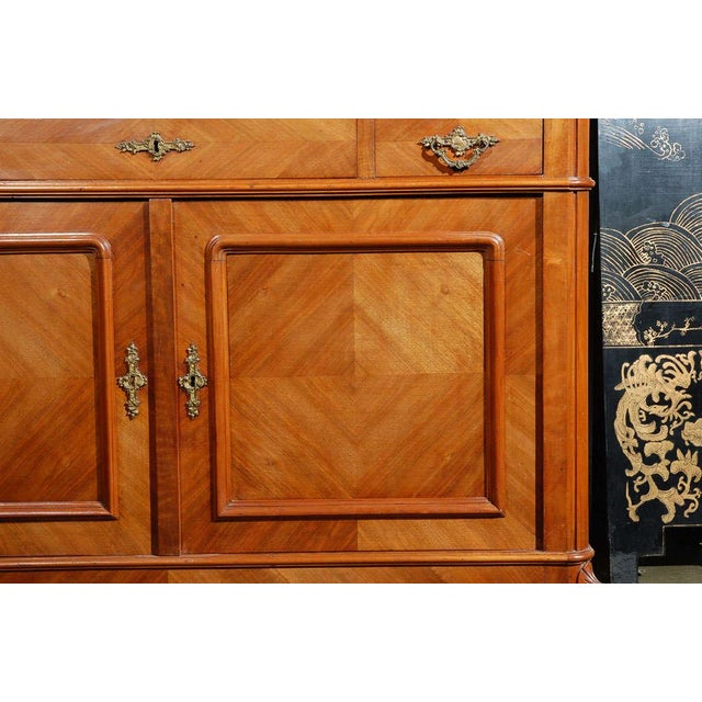 French Marble Top Commode with Mirrors For Sale - Image 3 of 10