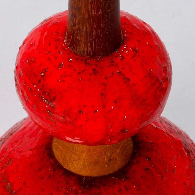 Mid Century Red Ceramic & Walnut Table Lamp - Image 6 of 6